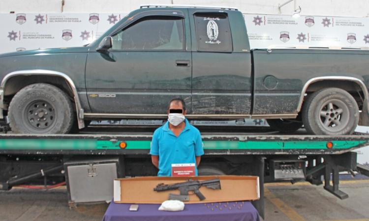 Detenido portaba fusil de asalto de uso exclusivo del ejército