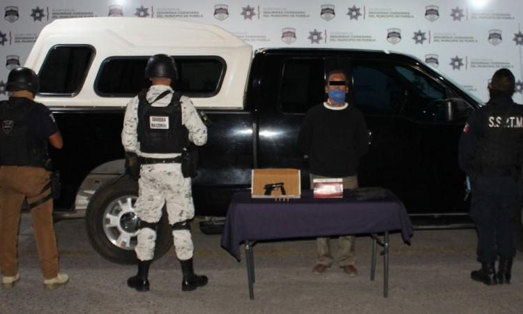 Detienen a hombre con arma de fuego en San Andrés Cholula