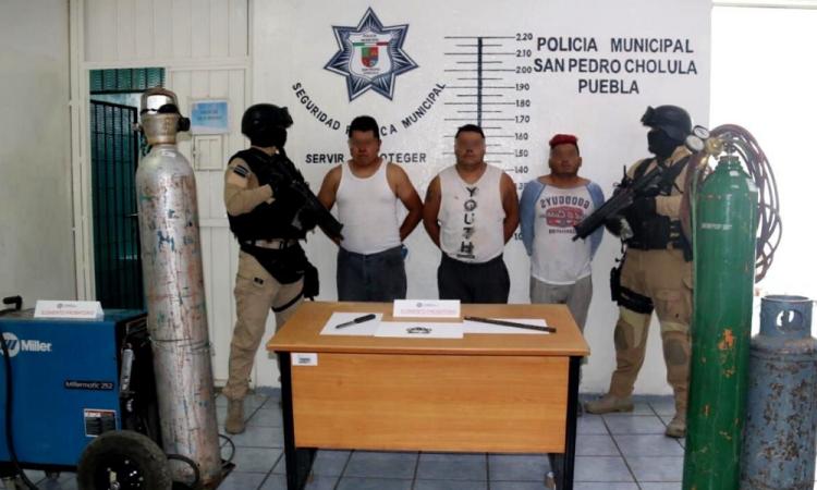 Detienen a 3 por robo en San Pedro Cholula