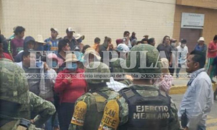 Tras linchamiento frustrado vecinos dañan instalaciones de SSC