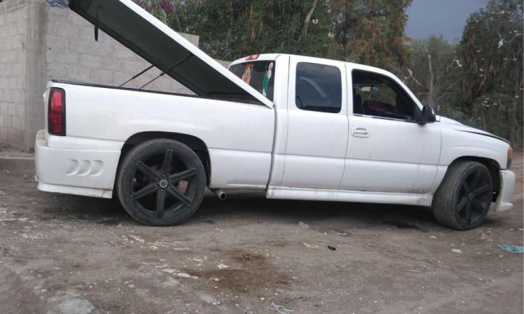 Persecución policiaca frustra robo de camioneta en Tecamachalco