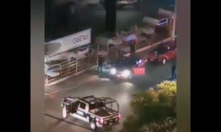 Persecución termina en balacera en inmediaciones de Telmex