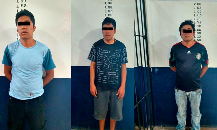 Detienen a 3 por robo a comercio en Coronango
