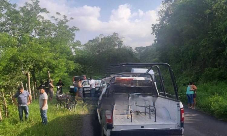 Hallan a joven asesinado a un costado de la carretera a Xicotepec
