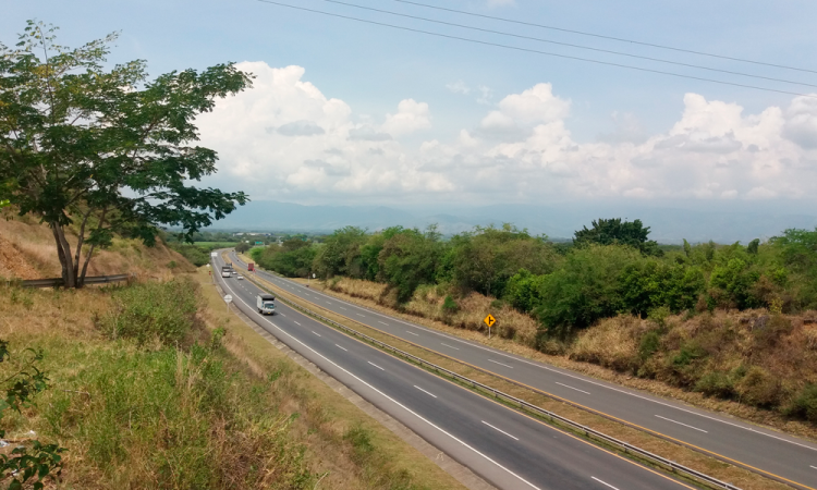 Hallan encobijado en estado de putrefacción en Cohuecan