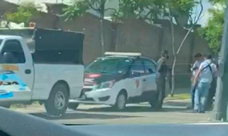 También llegaron paramédicos de Protección Civil Municipal.