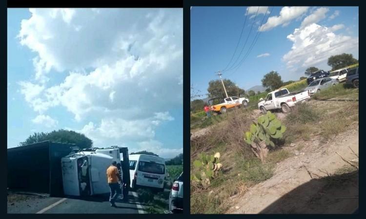 Los testigos indicaron que varios hombres armados intentaron cerrarle la circulación al camión.