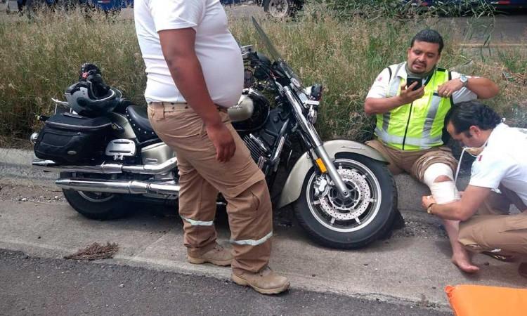 Doctor de SUMA resulta herido al derrapar en moto