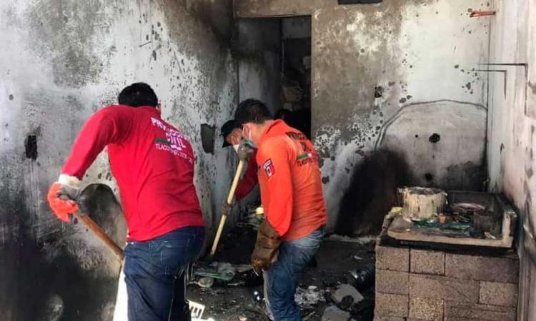Incendia domicilio en Tlacotepec; tenía bidones de combustible