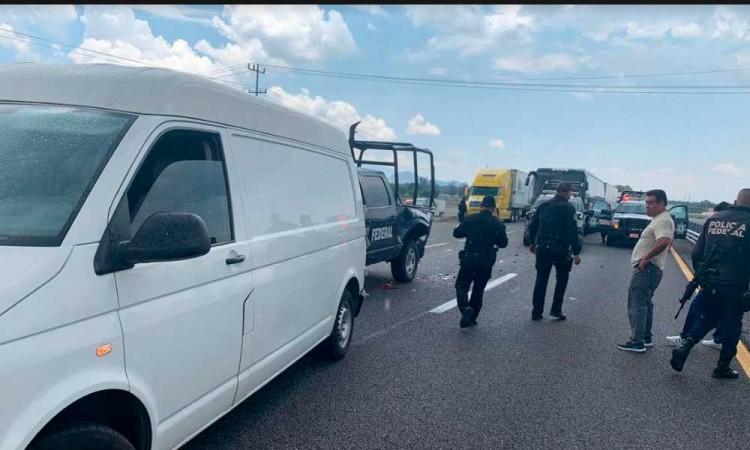 Choca convoy de la Guardia Nacional contra patrulla en la Puebla-Córdoba
