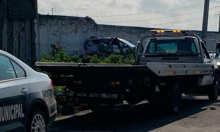 Encuentran un hombre sin vida al interior de un vehículo en Mototzingo