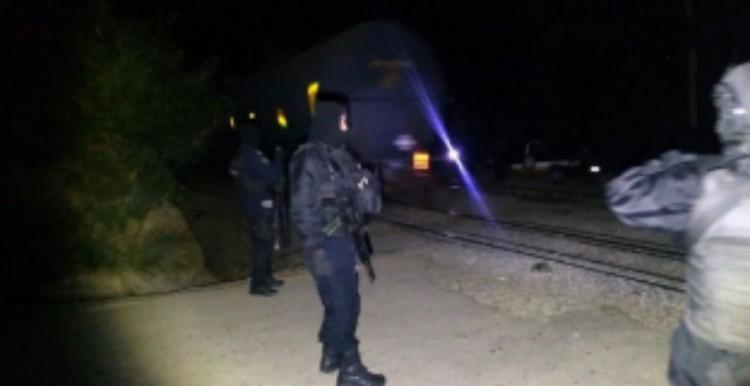 Resulta herido elemento de seguridad al repeler atraco a tren