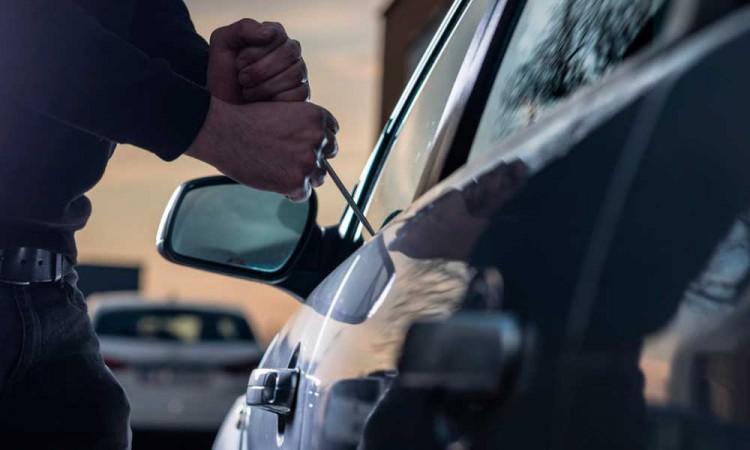 Imparables los robos de autos en Tecamachalco; reportan tres robos con violencia