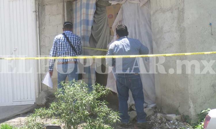 En aparente riña, asesinan a indigente a golpes en el sur de Puebla capital