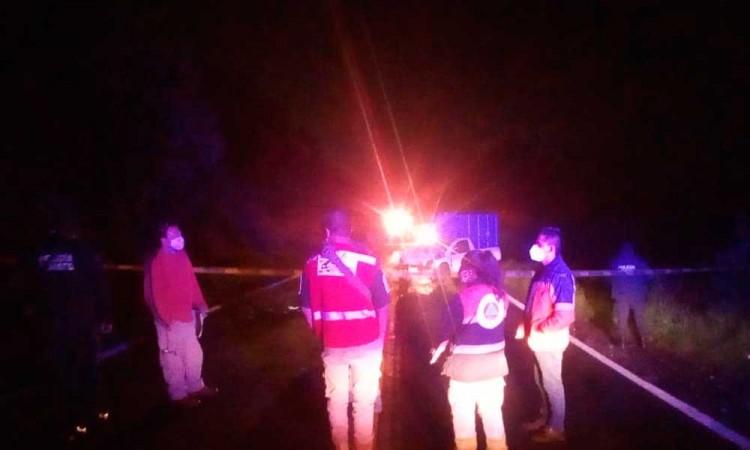 Menores conducían auto a exceso de velocidad en Xiutetelco; uno muere