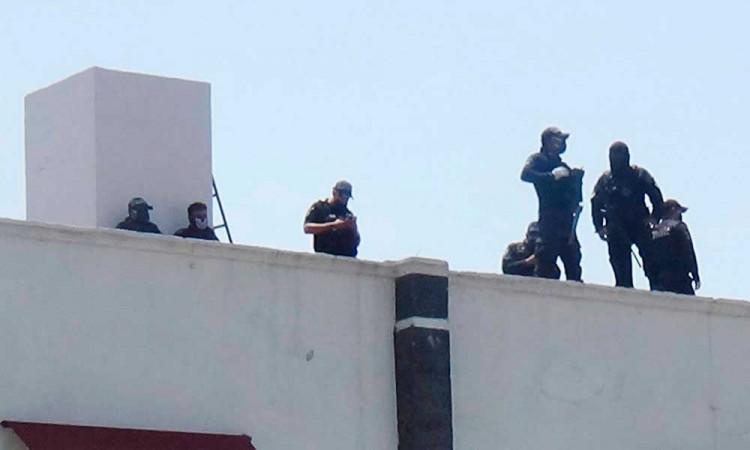 Trasladan 14 peligrosos reos del penal de Huejotzingo al de Tepexi y Ciudad Serdán