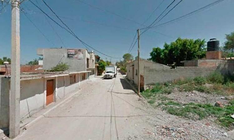 Golpean a dos mujeres y secuestran a dos en Tlacotepec