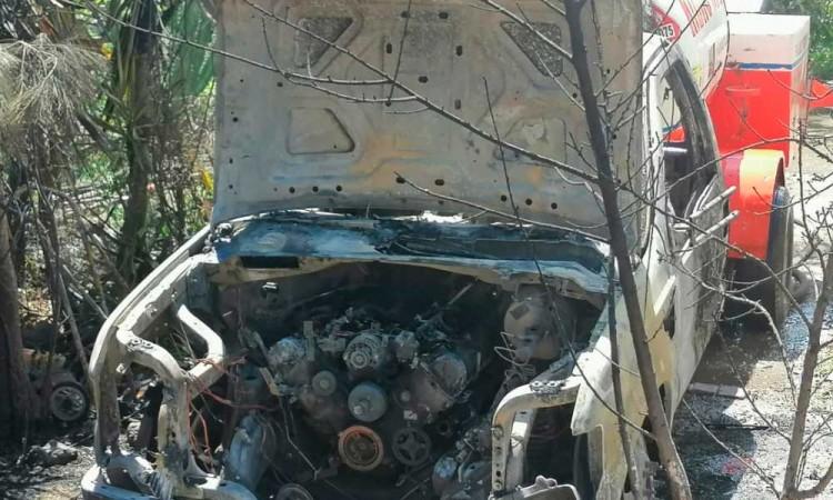 Incendia pipa de Gas LP en Coatepec; sería de huachigaseros