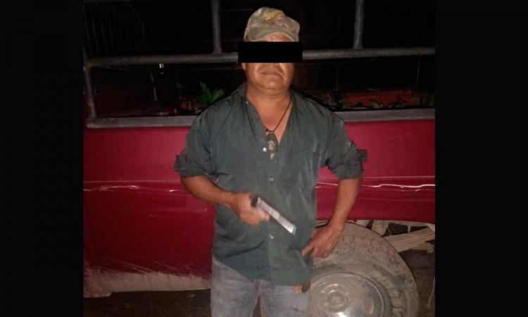 Detienen a sujeto armado en Xochiltepec