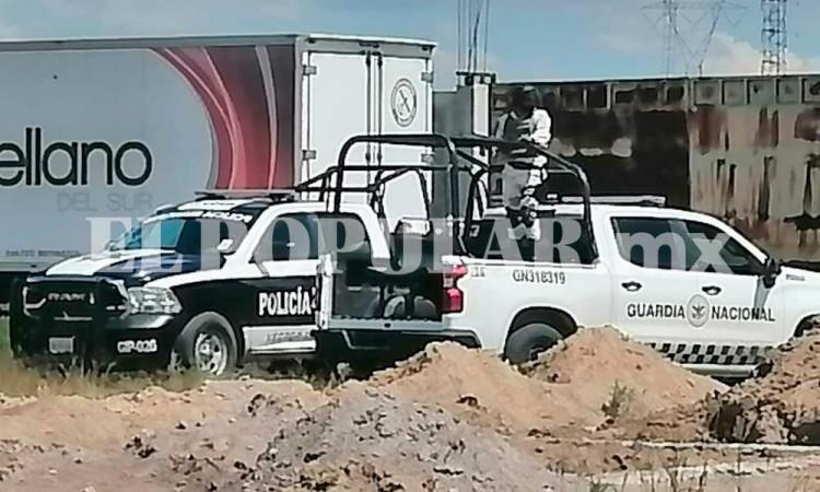 Recuperan camión con abarrotes robados en San Miguel Espejo