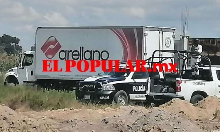 Recuperan camión robado con mercancía de Abarrotes Arellano