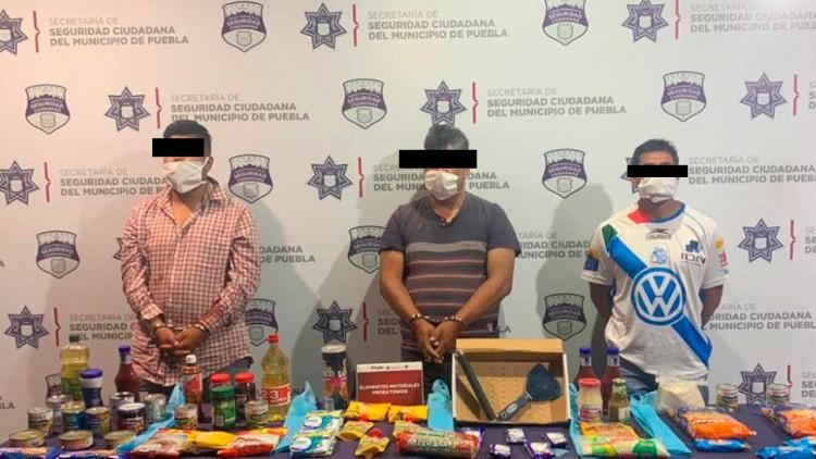 Los cachan luego de robar abarrotes en el Centro de Puebla