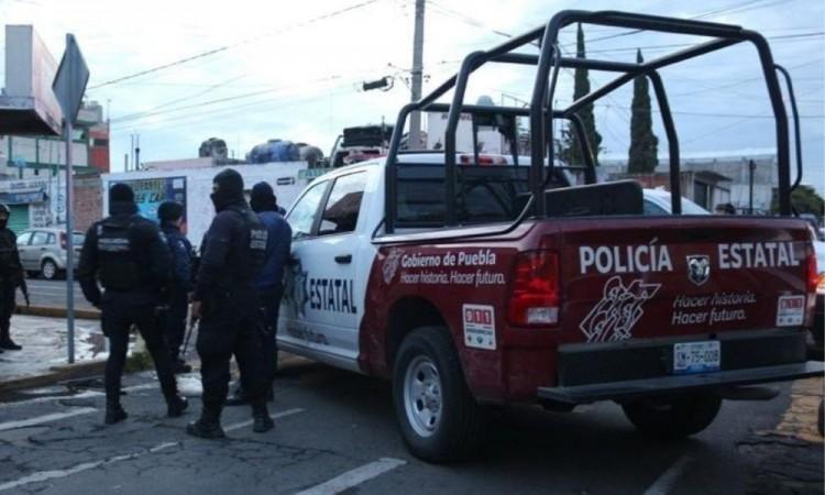Los agentes ministeriales de la FGE llevaron a cabo las diligencias del levantamiento del cadáver.