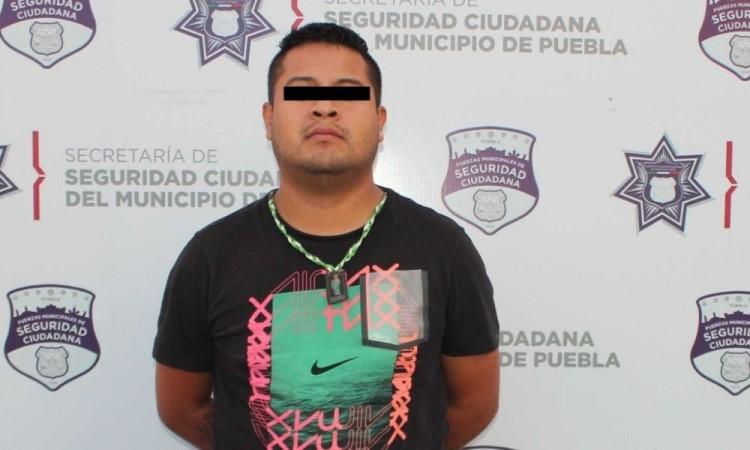 El detenido quedó a disposición del agente del Ministerio Público.