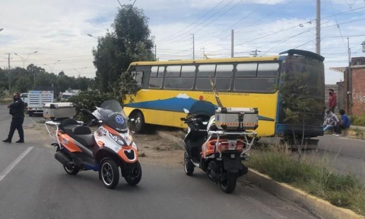 El microbús quedó asegurado, bajo el resguardo de las autoridades federales.