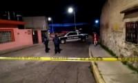 Tras persecución y balacera policías municipales detienen a dos por robo a negocio
