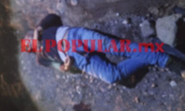 Personal de la FGE realizó el levantamiento del cadáver.