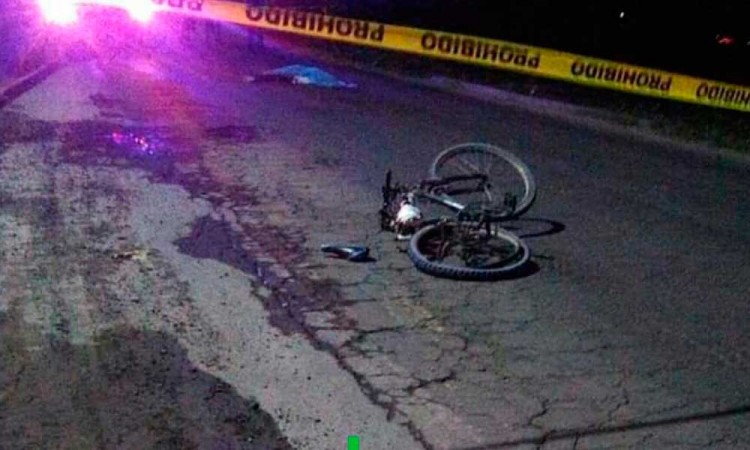 Iba en su bici en Acatzingo pero muere atropellado