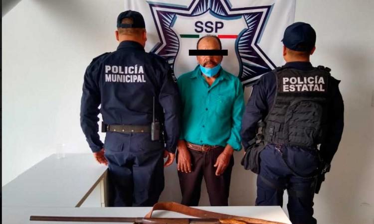 Detienen a un hombre armado en Izúcar de Matamoros