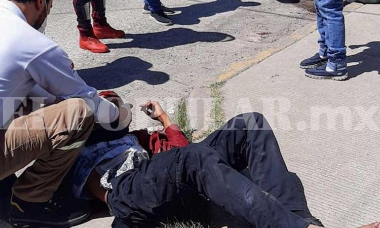 Menores terminan lesionados luego de ser embestidos por camioneta