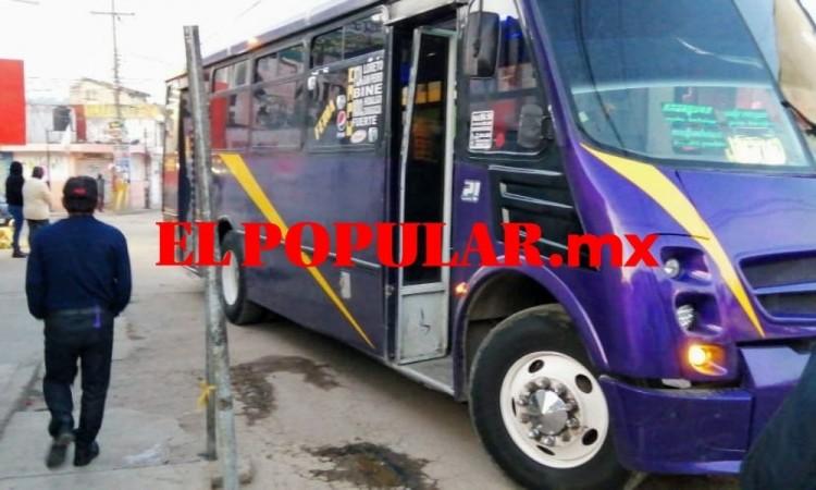 En asalto a ruta golpean a pasajero en la colonia Chapultepec