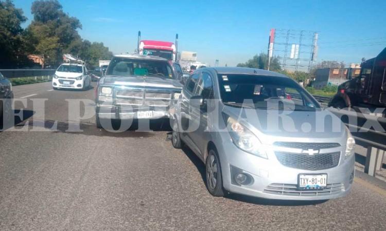 En la Puebla-Orizaba se registra carambola de cinco autos