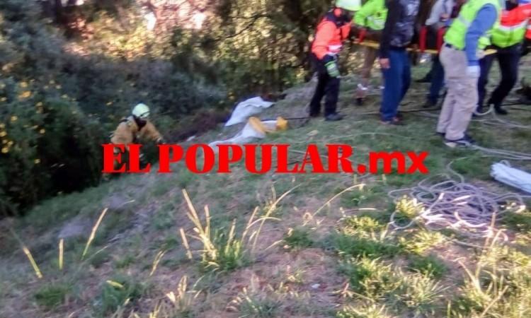 Hombre en estado de ebriedad cae a barranca al intentar orinar en la colonia Villa de Reyes