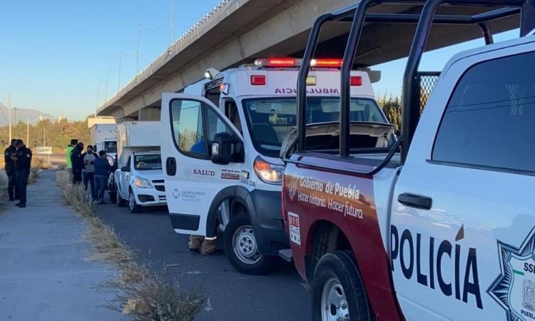 Custodio es baleado durante intento de robo de unidad de carga en la autopista México-Puebla