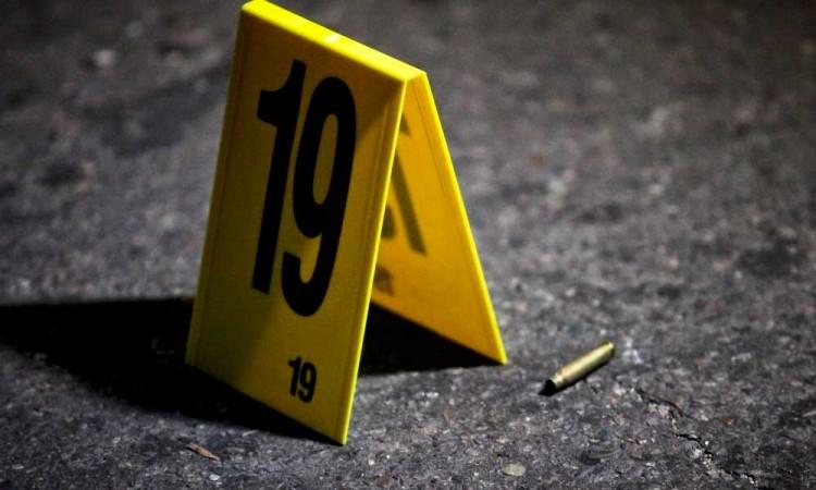 Asesinan a balazos a un mecánico en Izúcar de Matamoros