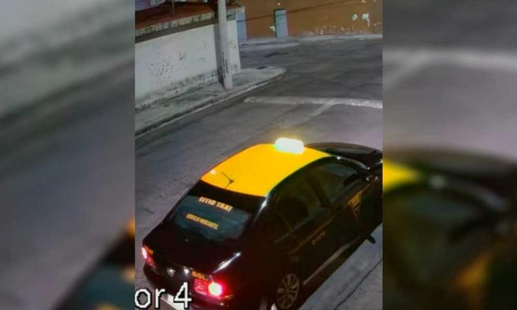 Taxista cómplice ayuda a delincuentes para atracar en Puebla capital