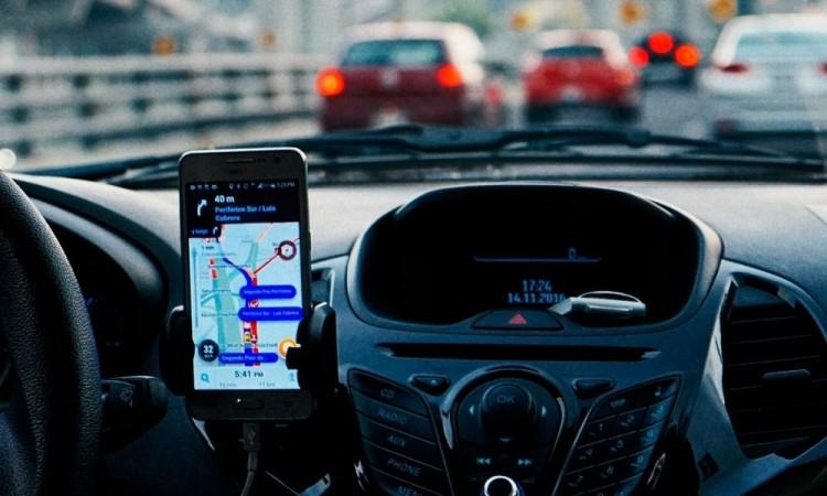 Asaltan a dos conductores de aplicación en un par de horas en la zona metropolitana