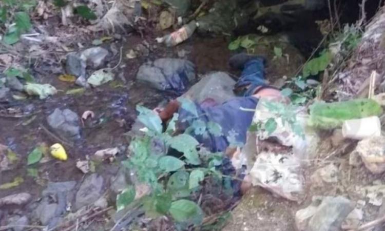 Encuentran cadáver baleado en Pahuatlán