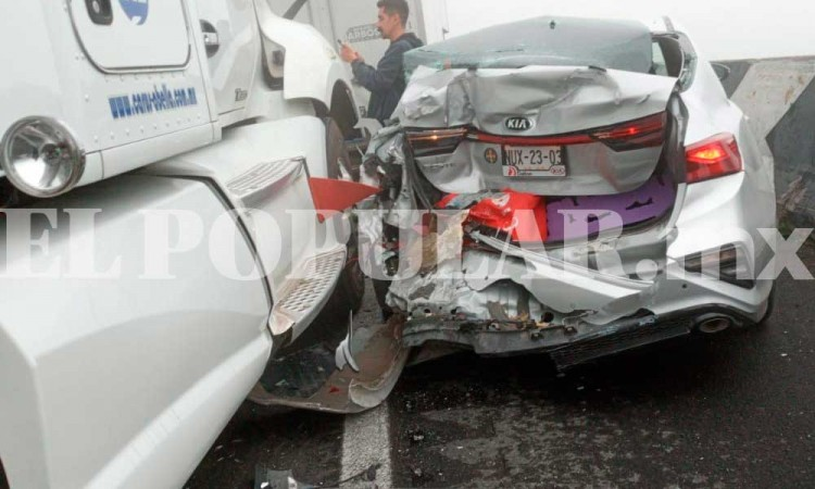 Terrible carambola en autopista a Maltrata; hay dos muertos y 12 heridos