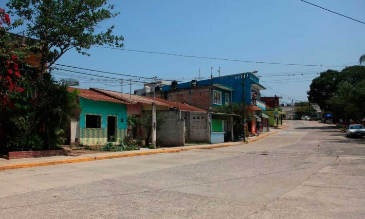 Emboscan a familia y matan a padre e hijo en carretera a Tuzamapan