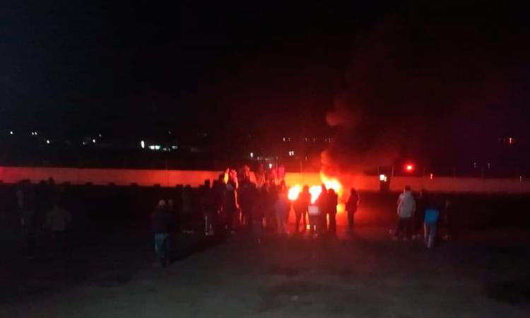Cierran autopista México-Puebla por presunta violación a menor de edad