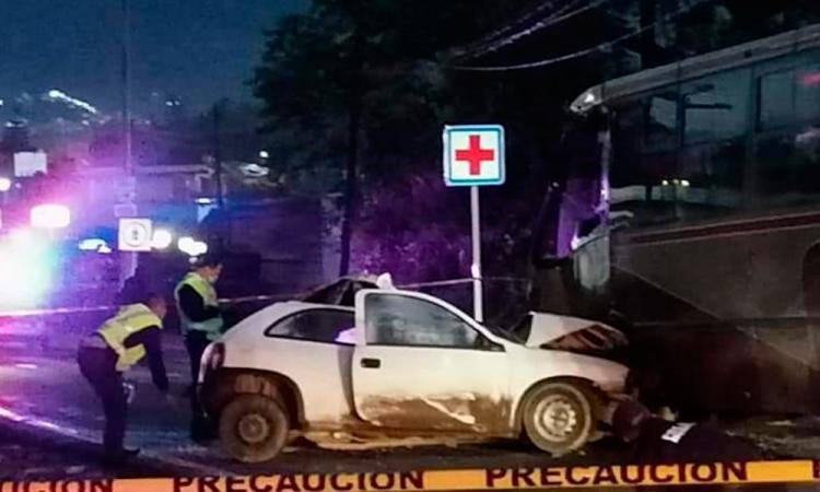 Policía Auxiliar fallece tras chocar sobre la México-Tuxpan