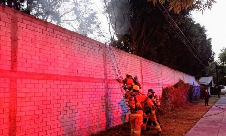 Incendio de pasto moviliza a Bomberos en la colonia Villa Posadas