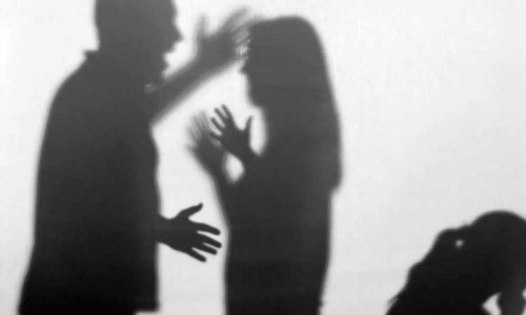 Mujer de Atlixco termina golpeada con machete y martillo por sus familiares