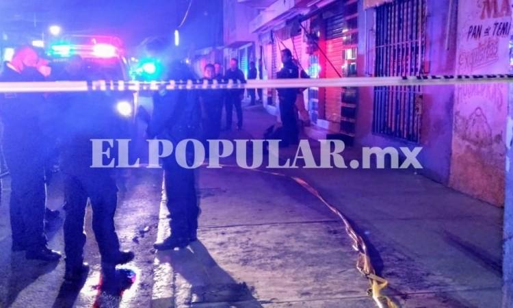 La zona fue acordonada y resguardada por los policías municipales.