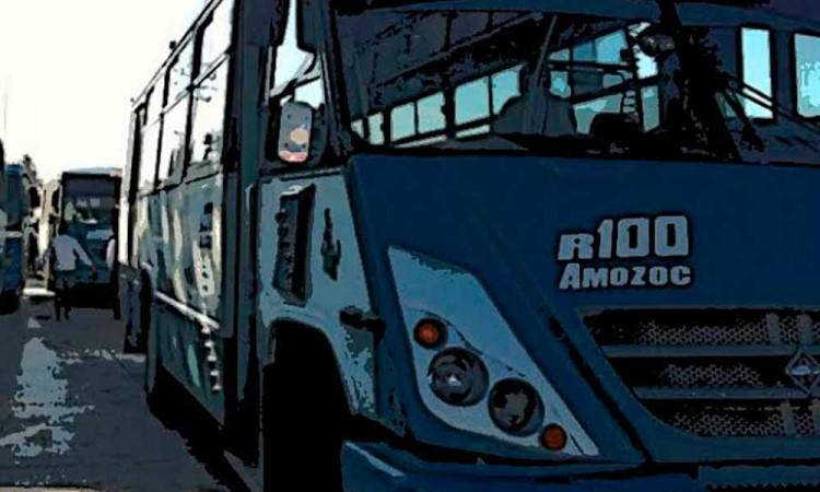 Tres jóvenes mueren al chocar contra ruta 100 en Acajete